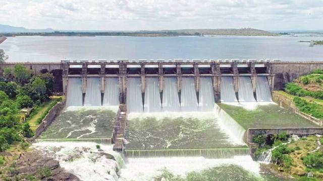 Twenty thousand cusecs discharged from the Mula dam