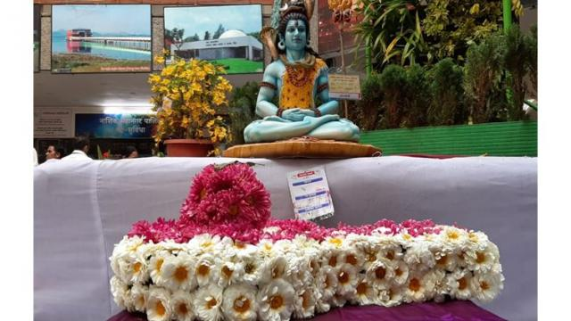Three-day floral festival begins in Nashik