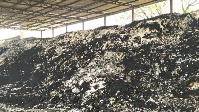 Billions rupees of cotton burn from fire  in Naigaon