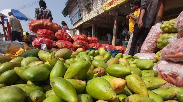 Vegetable prices fixed in Pune Bazar Samiti