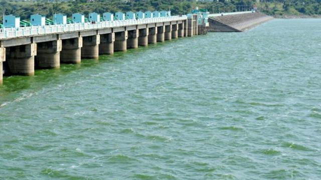 58% water in Khandesh projects