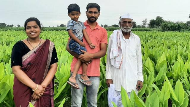 Nilesh and Rani are a Chande-Patil couple with their father Damodar.