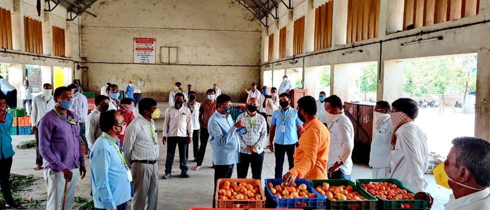 Vegetable arrivals are easy in the sub markets of Pune