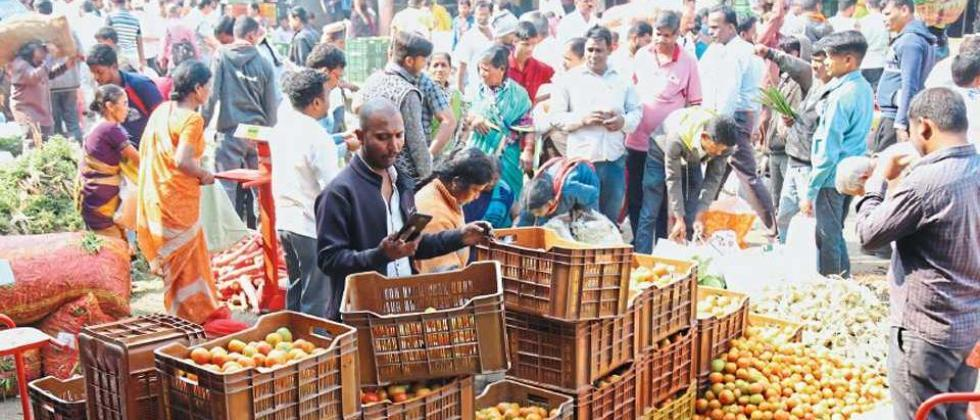 Corona effect on the 400 weekly markets in the Pune district