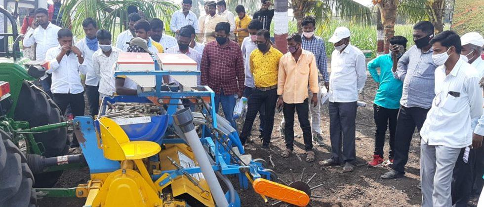 Farmers were overwhelmed to see the treasure of agricultural knowledge in the exhibition