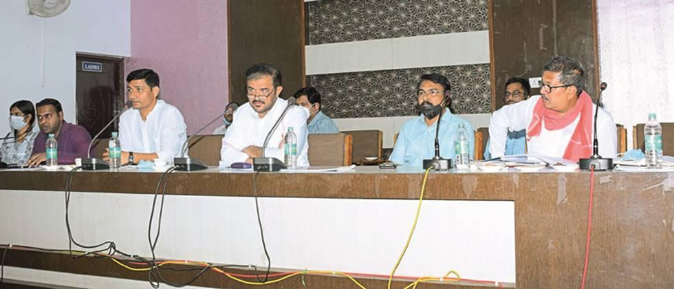 Pay serious attention to milk producers' questions: Animal Husbandry Minister Kedar