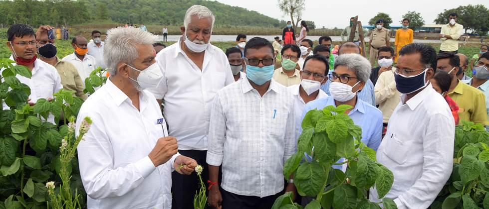 Agriculture Minister interacts with farmers