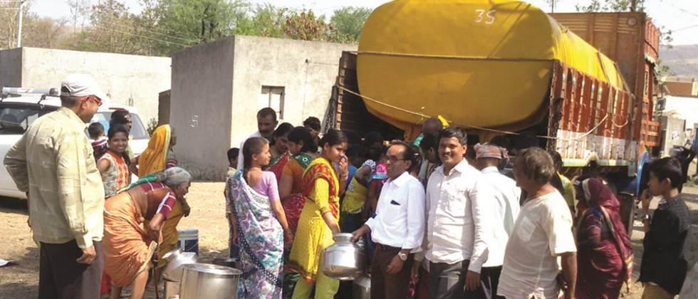 Water supply by one hundred and three tankers in Nagar district