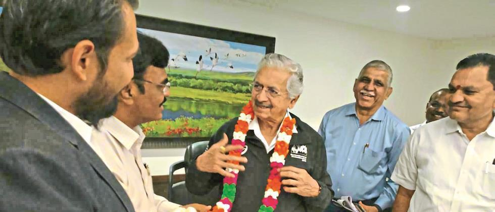 Industrialist minister realize the need for silk weaving