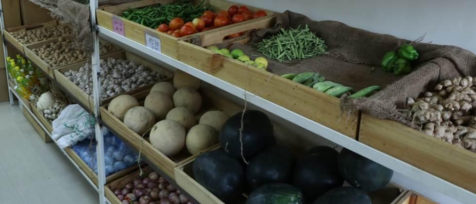 Preparations for sale of fruits, grains of farmers groups in Aurangabad