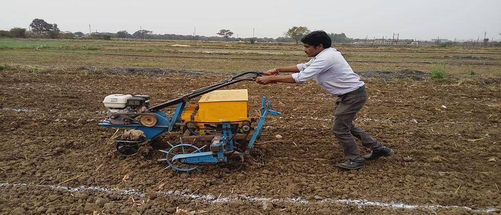 AUTOMATIC SOWING MACHINE