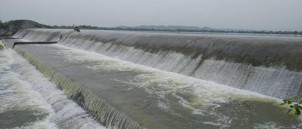 Ujnit from the dam in Pune Discharge of 13 thousand 56 cusecs in to Ujni