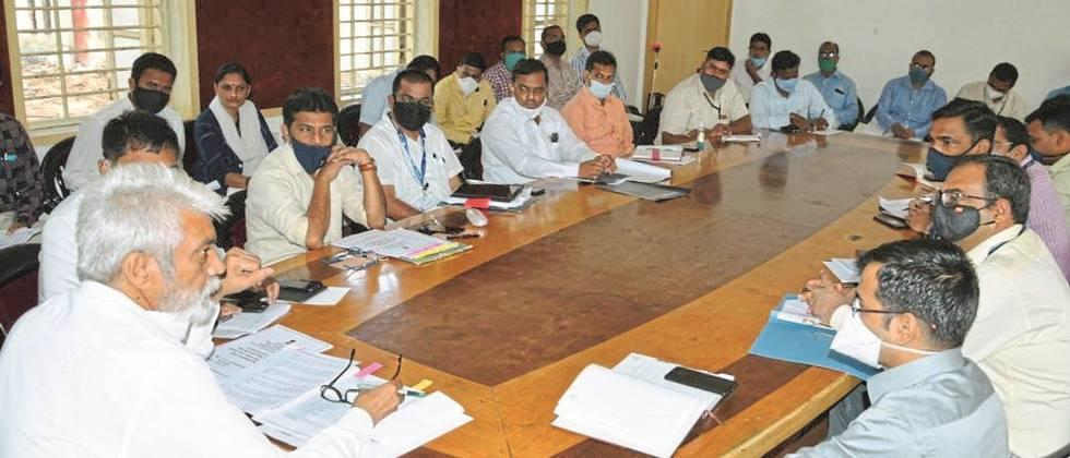 Settle crop loan cases immediately: Agriculture Minister Bhuse