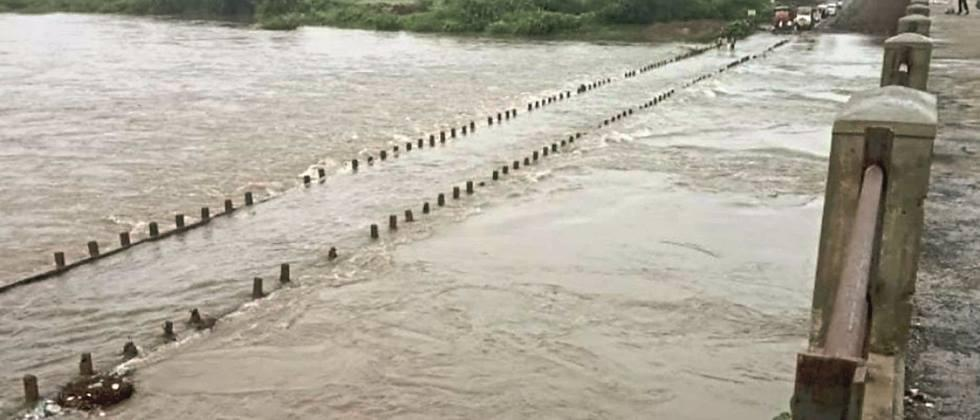 Crops on thousands of hectares flooded due to 'Dudhna' floods