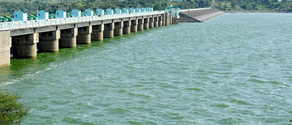 water of Girna dam going to one hundred percent
