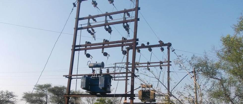 Decision of one day strike of power workers against privatization