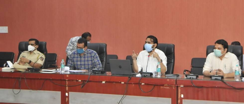 Complete all works before monsoon: Collector Chaudhary
