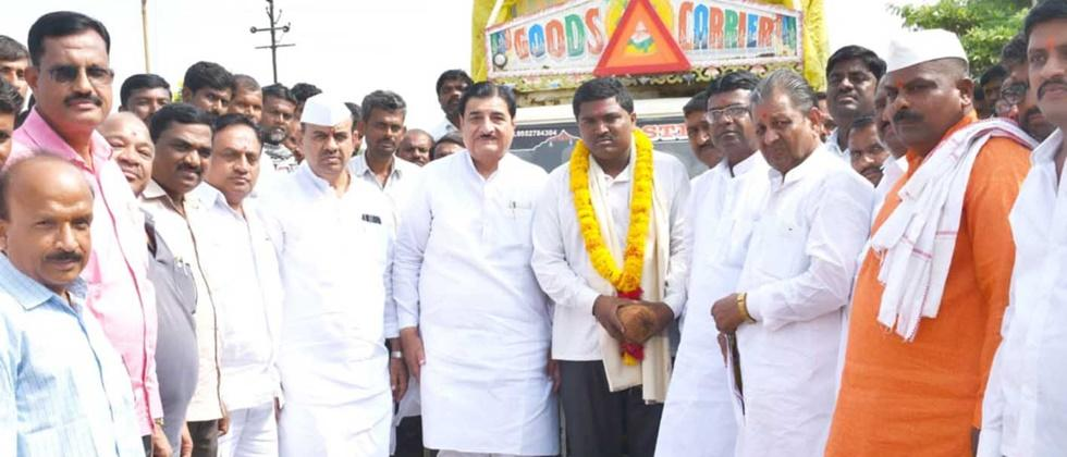Purchase of cotton at two centers by the Panan mahasangh in Parbhani district