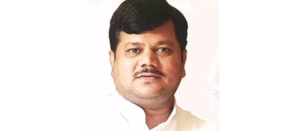 Fadnavis should come forward to join hands with the Center for the people: Patole