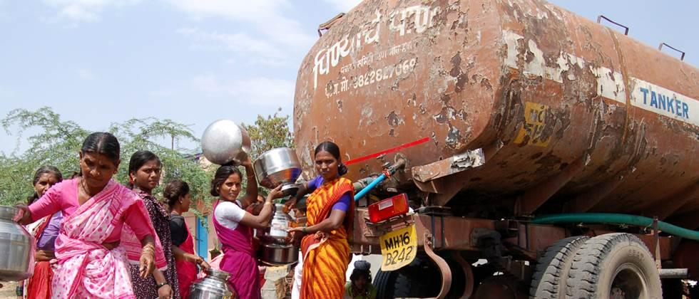 Water supply started by 324 tankers in Marathwada