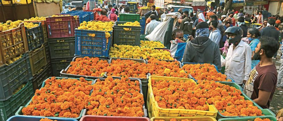 Flower market flourished in Pune on the occasion of Dussehra