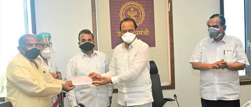 Sugar team donates Rs 51 lakh to CM assistance fund