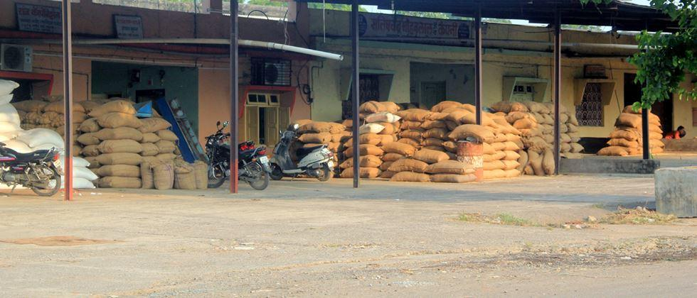demand for Alternative arrangements should be made for the sale of agricultural goods