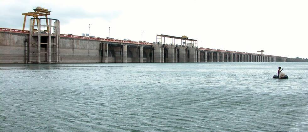 eighty five percent water available in dams