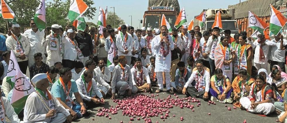 The central government should immediately start the onion export process