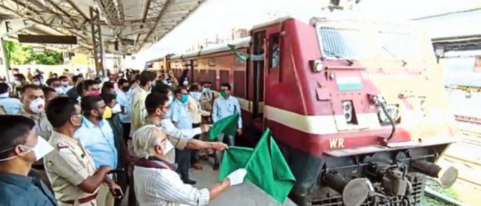 Two special labour trains leave from Nashik