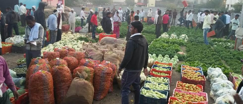 Weekly market ban in Nanded district has caused huge losses to farmers