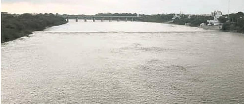 Discharge of water from Vishnupuri project by sixteen and a half thousand cusecs