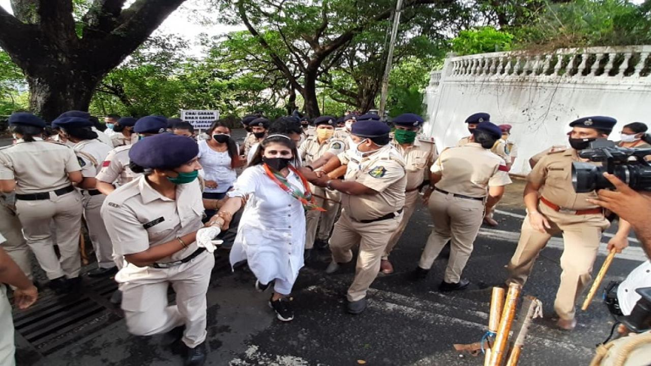 Members of the Goa Women Congress were stopped  by the police