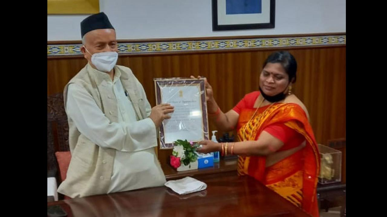 Teacher Hema Bugde honored by Goa Government