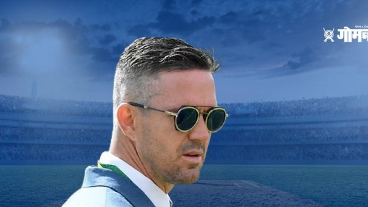 Former English cricketer Kevin Pietersen gets upset as England lost within 2 days