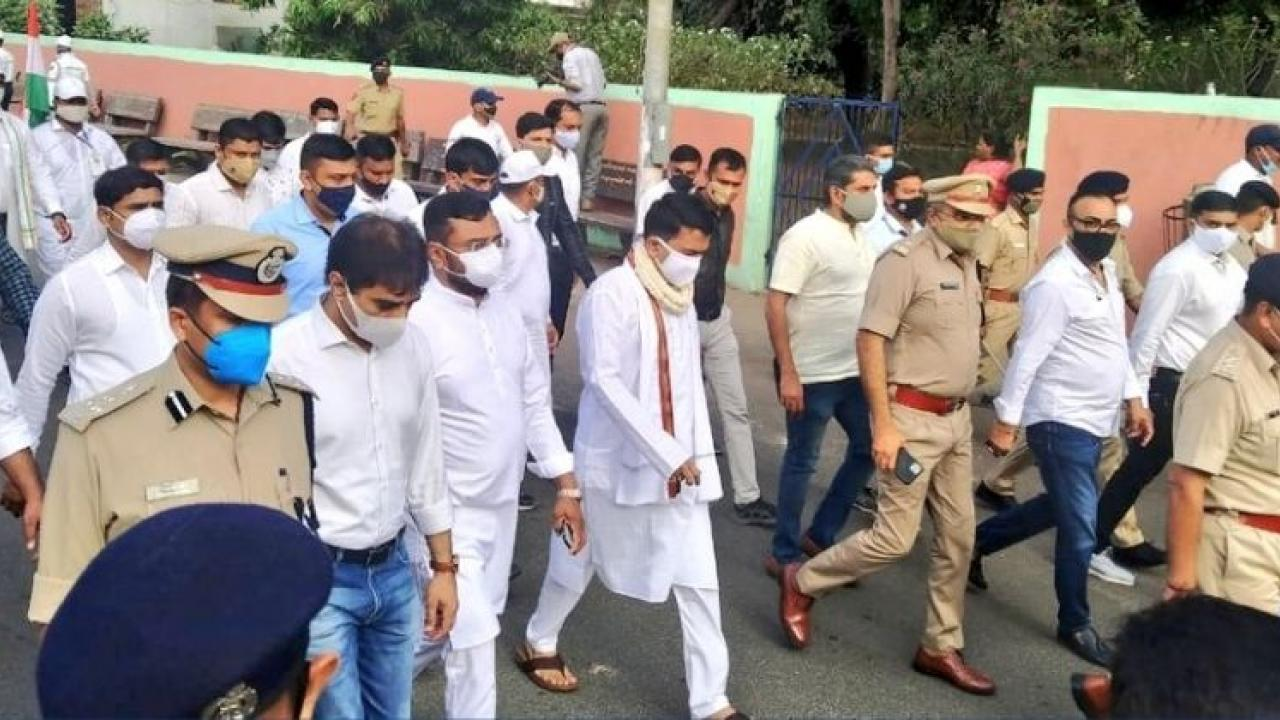 Chief Minister Dr Pramod Sawant got a chance to walk a distance of seven and a half kilometers at Surat