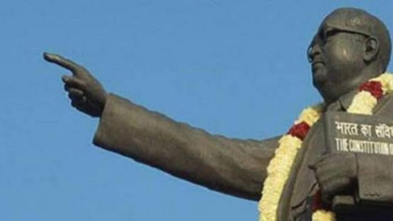 Crowd Burst in anger after removal of Dr Babasaheb Ambedkar statue from mangorhill