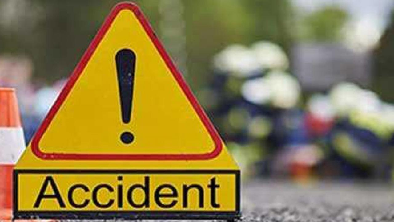 Three friends who went to Ganpatipule died on the spot in a terrible accident