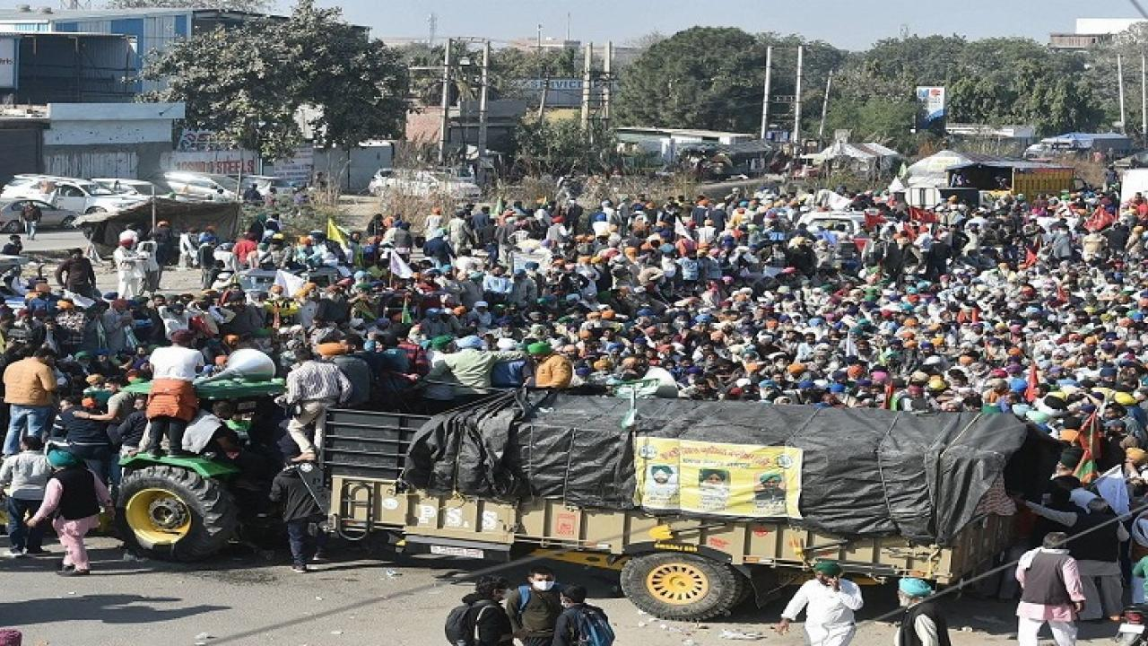 Due to the Lets go to Delhi movement thousands of farmers gathered on the Delhi border