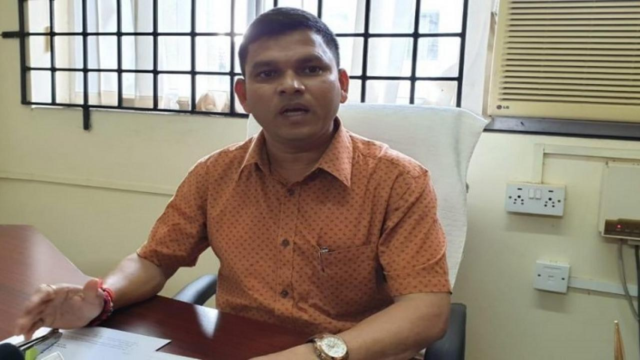 Independent MLA Prasad Gaonkar withdrew his support to the government