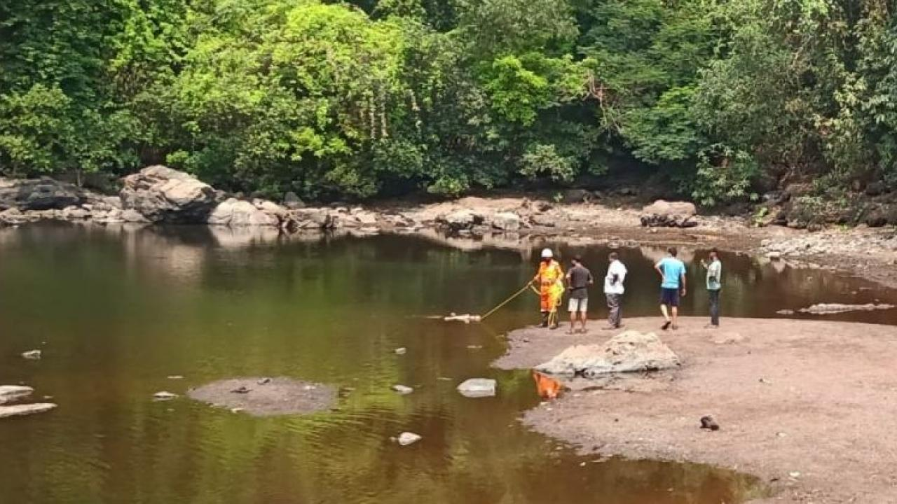 The bodies of the youths drowned in the waterfall were found in their hands