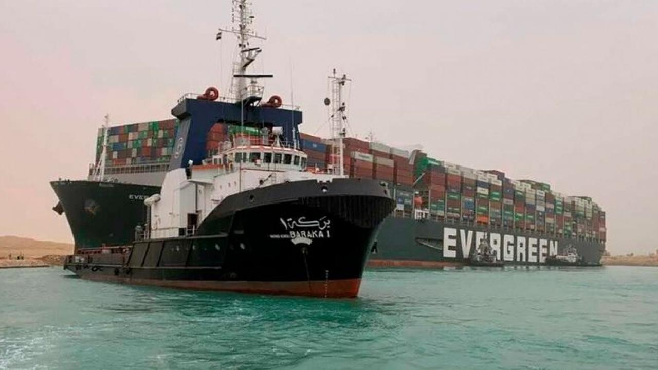 Traffic jam due to shipwreck in Egypt Suez Canal
