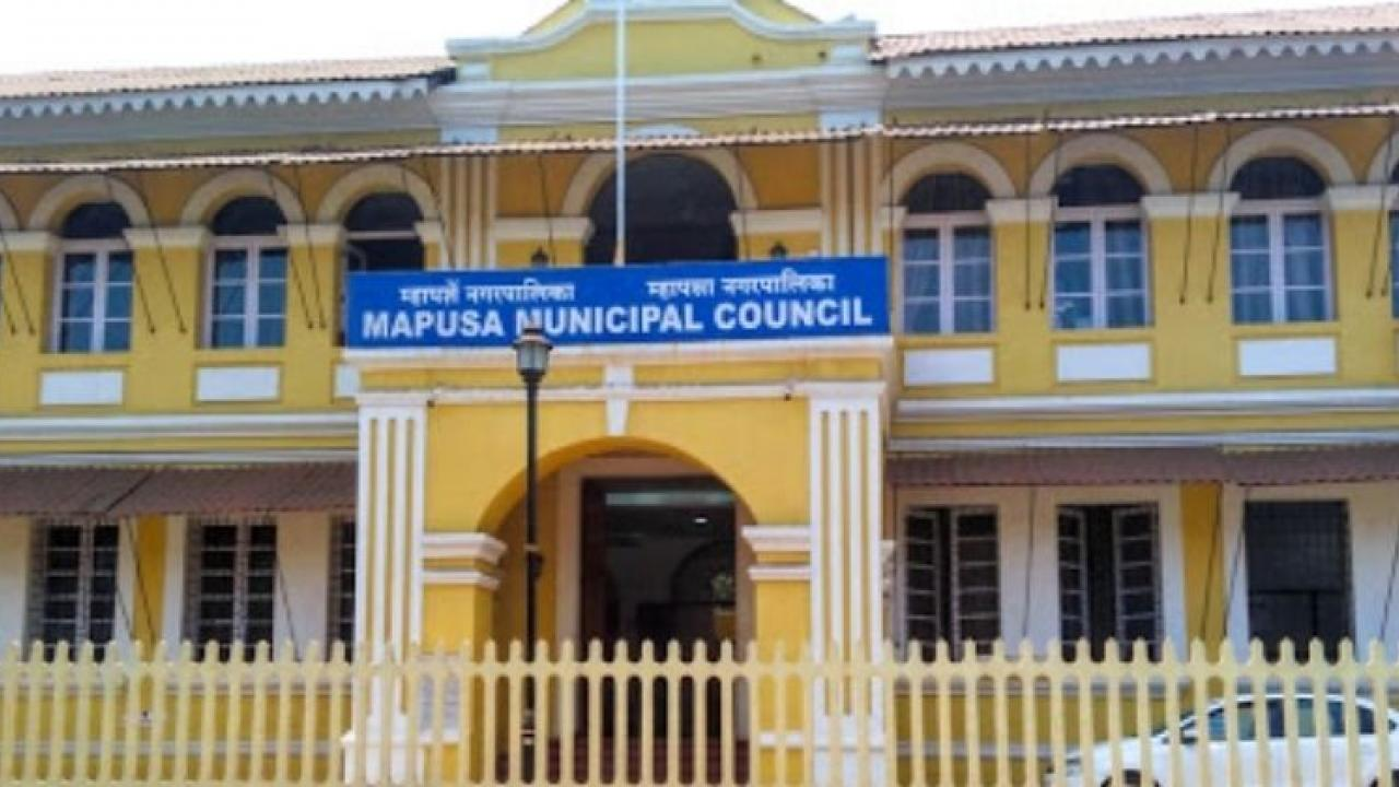 Municipal council meeting sub-inspector victim, People's Union keep protesting