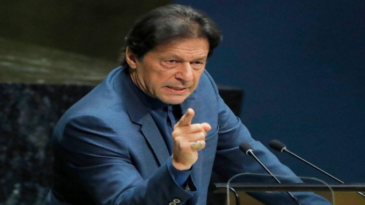 Imran Khan mentions Nawaz Sharif as a sly politician