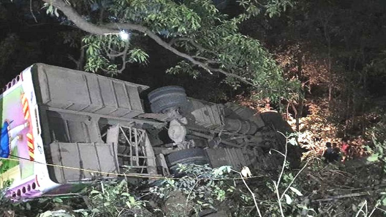 Bus falls into 50 feet gorge in Kashedi ghat on Mumbai Goa Highway 7 year old child died