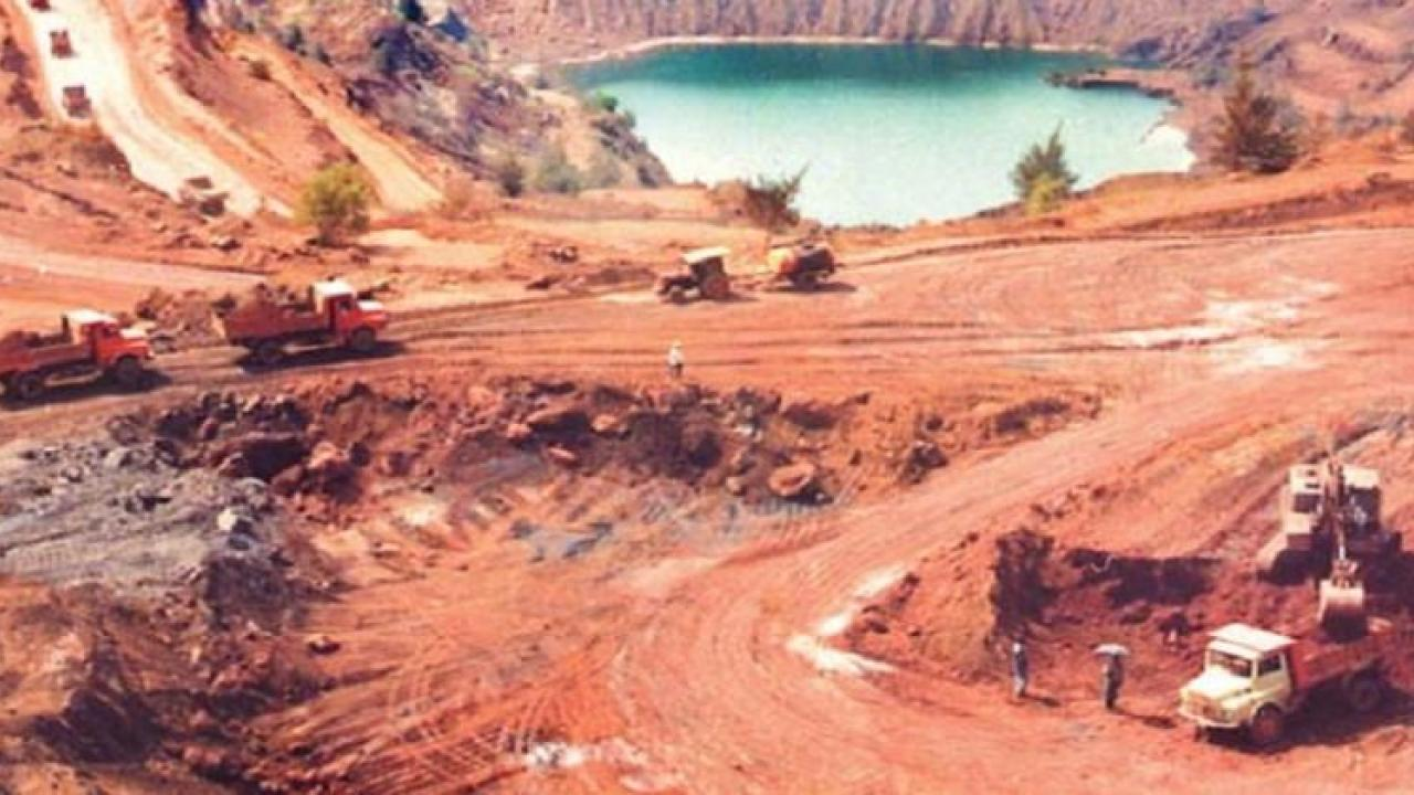 Meeting in Delhi today to start closed iron mines in Goa