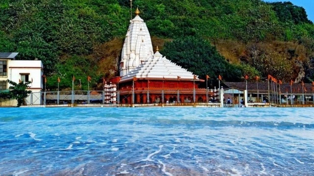 Ganpatipule beach will get a new identity as a safe beach