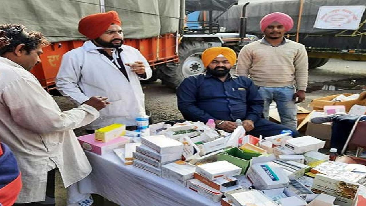Medical centers are open 24 hours on the Singhu border