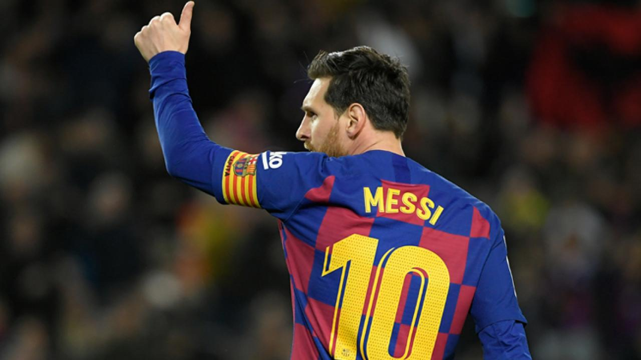 Lionel Messi to stay at Barcelona