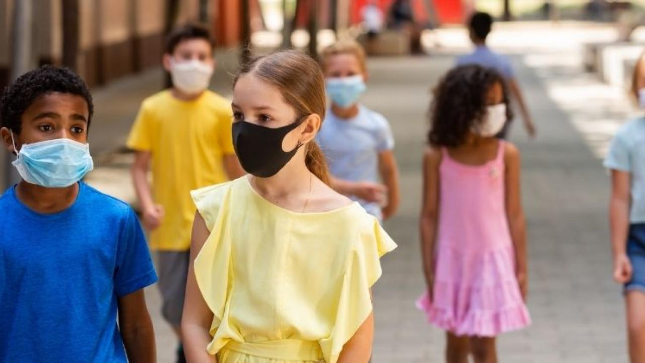Texas governor lifts ban on wearing masks in schools